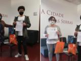 No Agrupamento de Escolas Eça de Queirós para entregar o 2º prémio na Categoria C – Multimédia